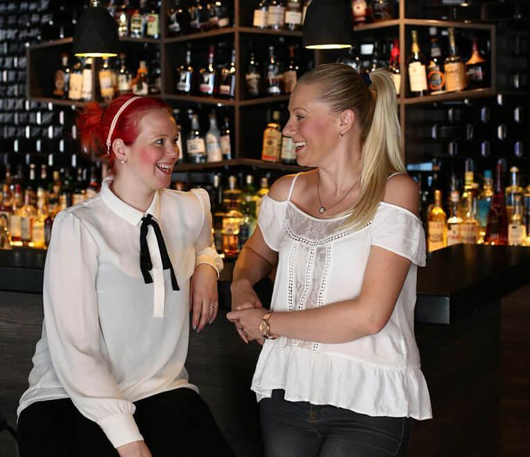 Frauen unter sich: Interview mit zwei Bartenderinnen