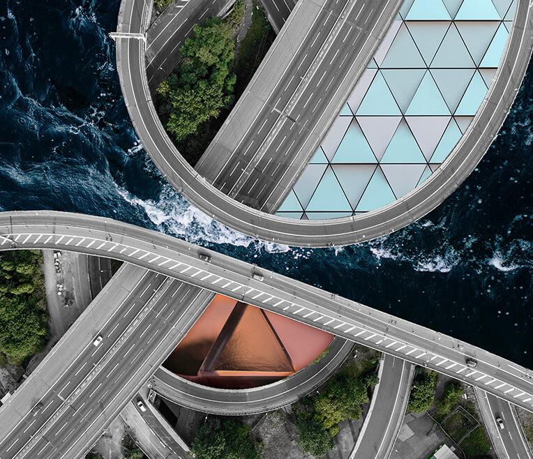 Autobahn, Bermuda, Geometry – Triangles in everyday life