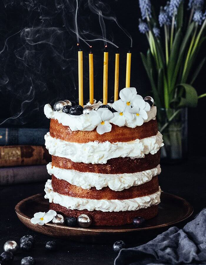 Recipe »Vanilla Layer Cake with Elderflower-Mascarpone Frosting«