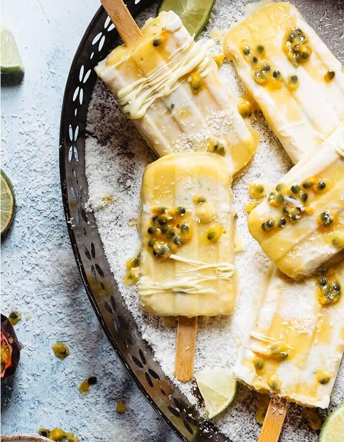 Rezept »Tropisches Eis am Stiel mit Mango, Maracuja, Kokos und Limette«