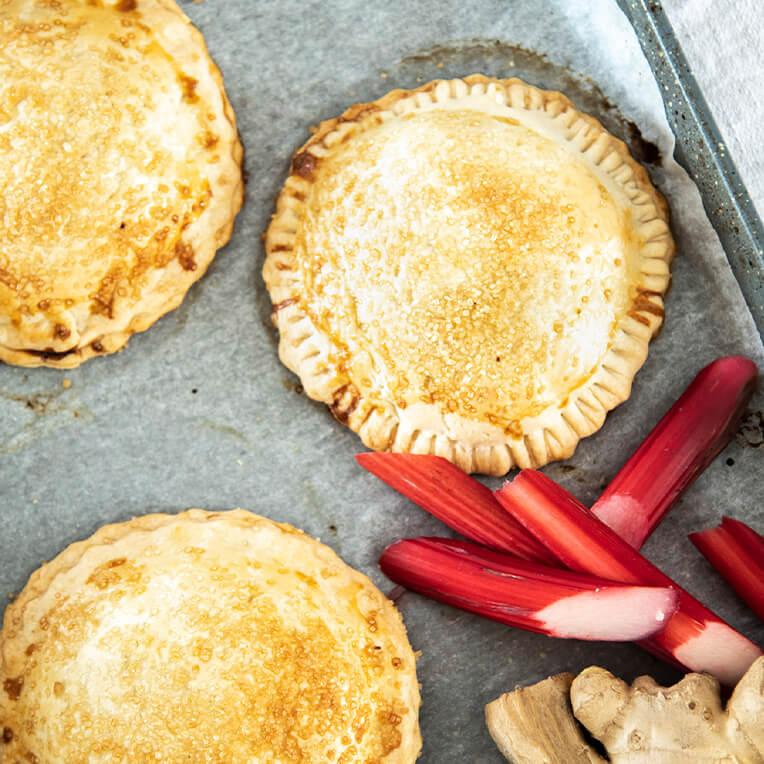 Recipe: »Rhubarb & Ginger Turnovers«