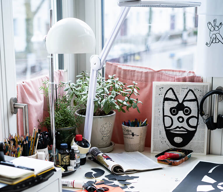 »Desk to Success« with artist Bernadette Schweihoff