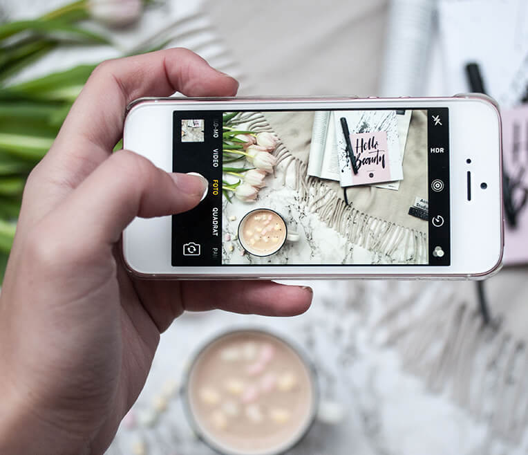 Flatlay – The new Selfie: Marmor
