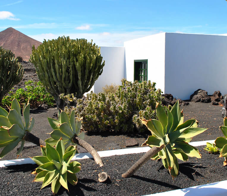 Lanzarote – The Hero And Its Buildings