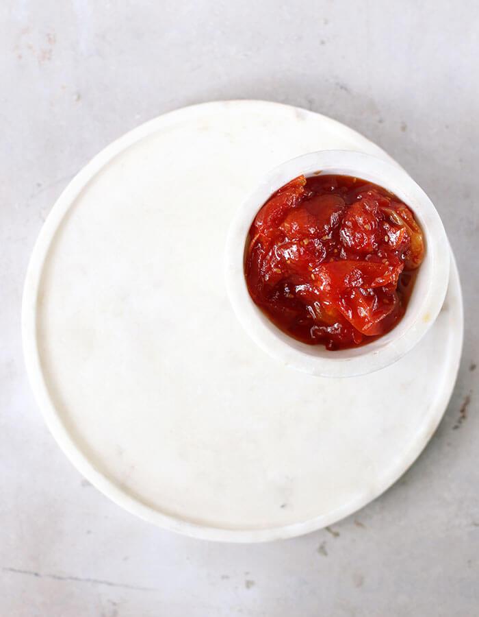 Recipe: »Chopped Liver Brioche with Cherry Tomato Jam«