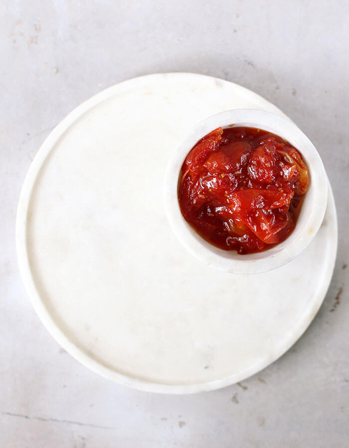 Recipe: »Chopped Liver Brioche with Cherry Tomato Jam«