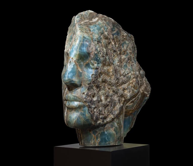 Interview mit Bildhauerin Emily Young