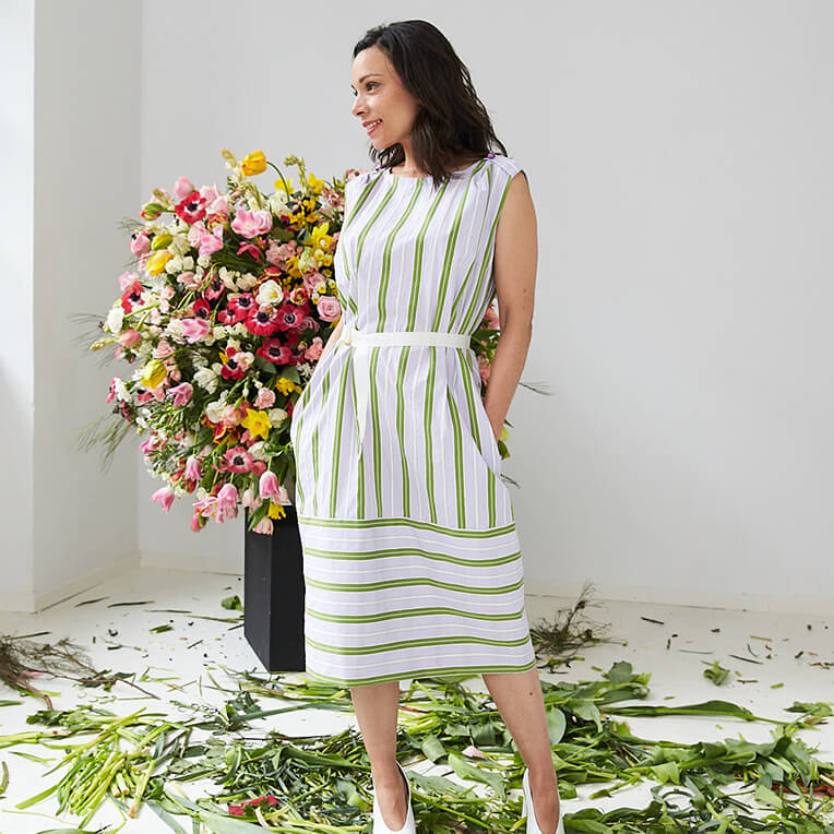 47/1 Airy striped spring dress with ribbon as belt
