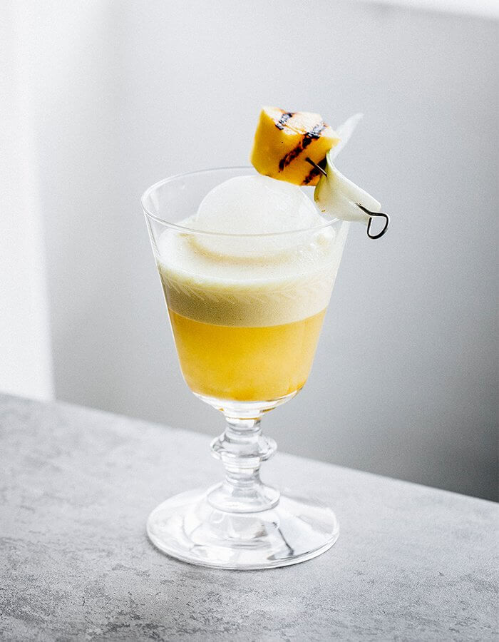 Summer Drink Cocktail Recipe »Golden Milk Pina Colada«