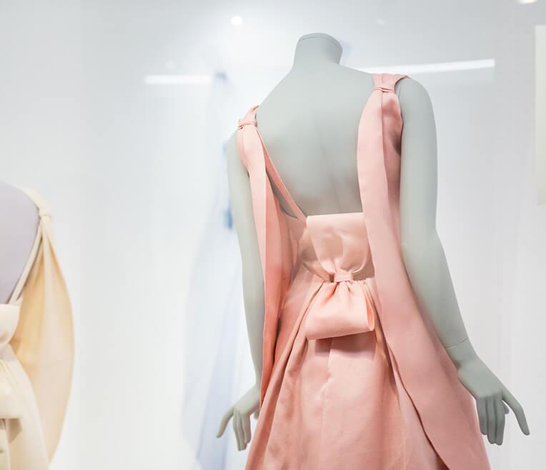 Balenciaga: Shaping Fashion – exhibition at the V&A
