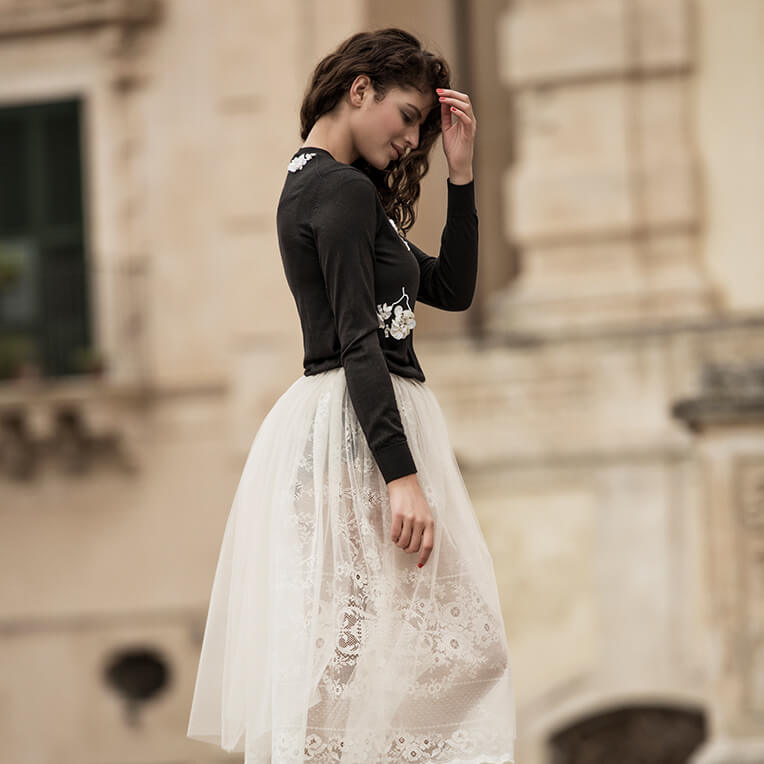 35/4 White Lace Skirt with Tulle