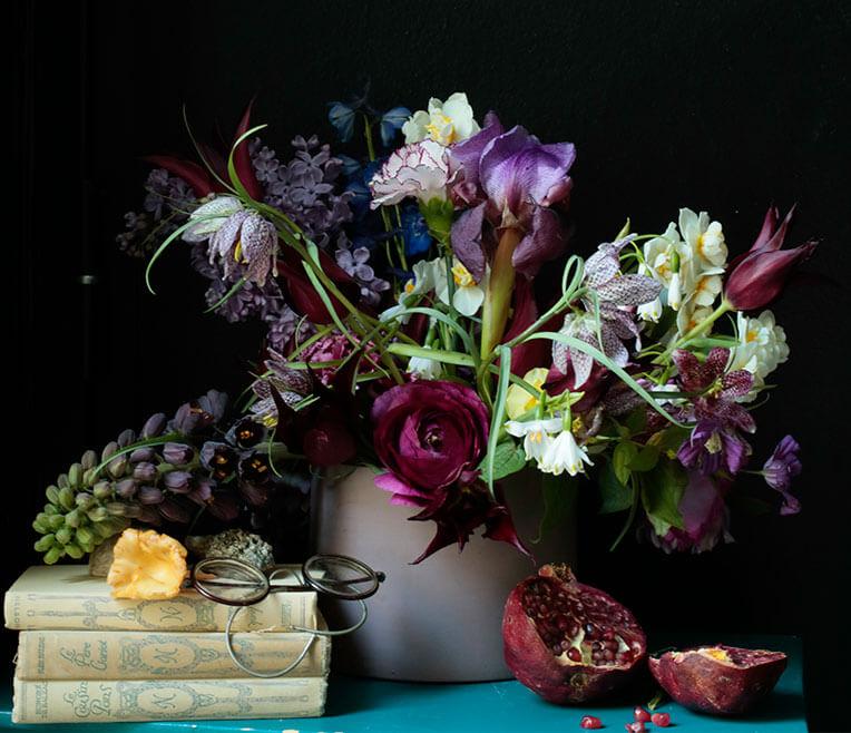 Tutorial: A modern take on flower still lives