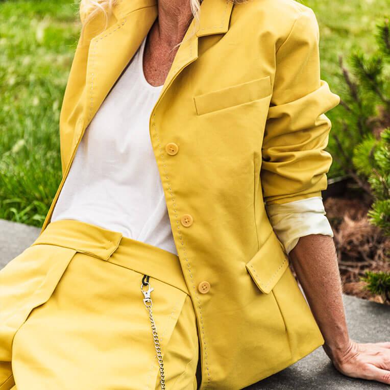 41/6 Yellow Sleek Blazer